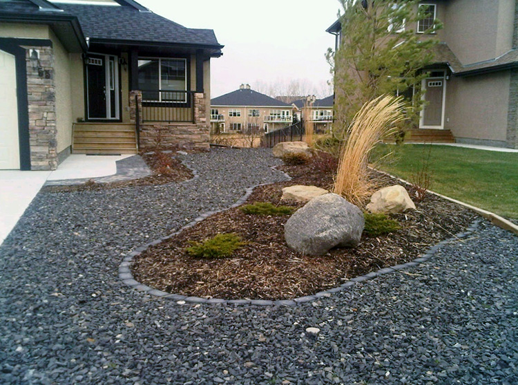 Xeriscape Small Backyard : maintenance side yard xeriscaped back yard large boulders with mulch