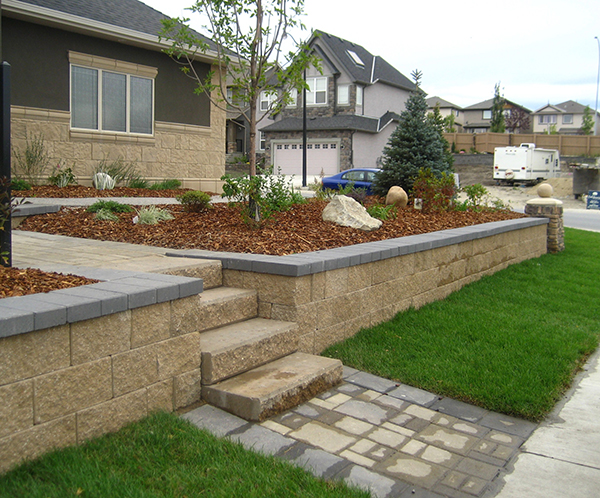 brick retaining wall Kayben Farms Okotoks AB