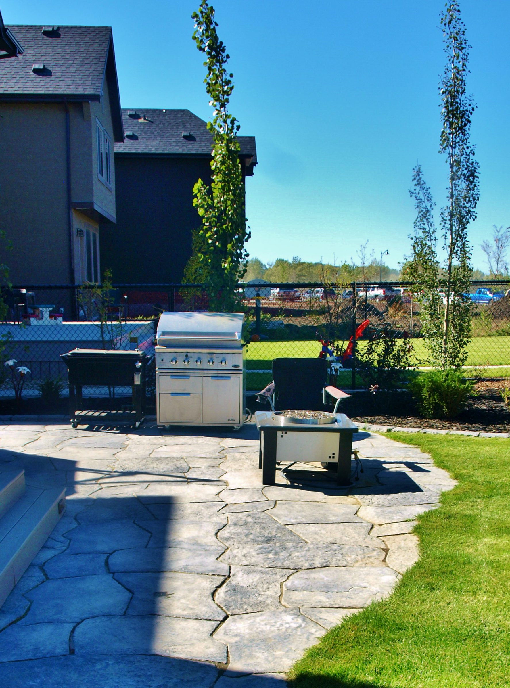 Patio by Kayben Landscape Construction